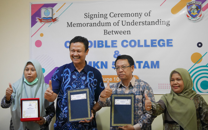 //crediblecollege.comMOU Credible College dan SMKN 5 Batam
